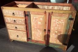 Balcão de pia em madeira de demolição ótimo acabamento