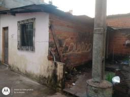 Barbada, Casa tipo KitNet medindo 8 x 8, Vila que entra carro, bem na Pista