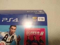 console PS4 slim 1tera com defeito