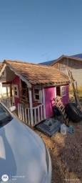 Casa com casinha de boneca