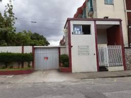 Apartamento de 117 m2 com 03+01 quartos e 02 vagas de garagem no Bairro de Fátima