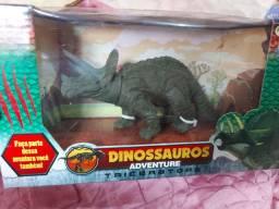 Vendo dinossauro