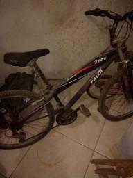 Troco bicicleta em esteira
