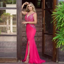 Vestido de festa rosa pink bordado