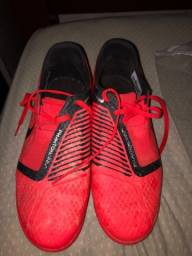 Chuteira Nike Society 130 reais