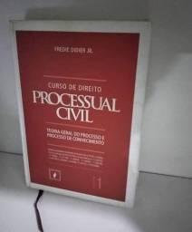 Vendo<br><br>Curso de Direito processual civil <br>Semi novo<br>R$75,00