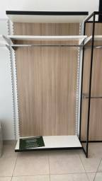 Expositor vertical pra roupas
