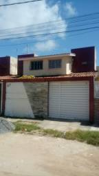 M- Alugo duplex em pau amarelo, (sem mobilia) próximo a praia.