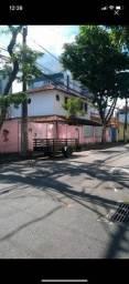 Casa de esquina, na quadra da Praia. Jardim Camburi.