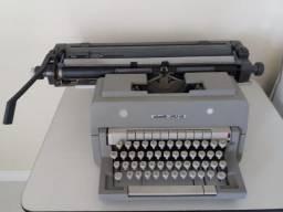 Máquina datilográfica Olivetti