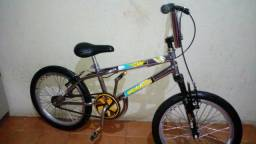 Bicicleta aro 20 Cromada folha aero cubo roletado amortecedor semi nova