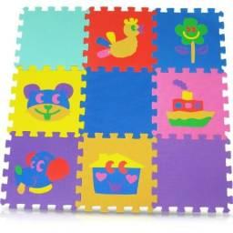 Tatame infantil 09 peças medindo 30x30cm cada