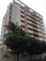 Apartamento amplo vizinho ao Rio Mar Papicu