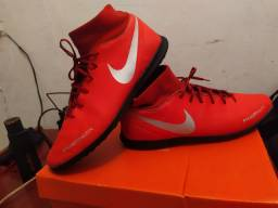 Chuteira socity Nike Phantom 43