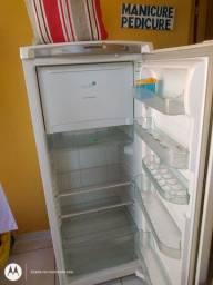 Geladeira Consul Frost Free Facilite 300 litros.