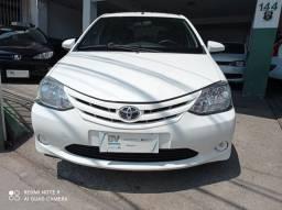 Toyota Etios xs1.5 completo bem conservado