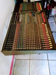 Mesa de som profissional CSM 32.8  bem conservada funcionando tudo v/t