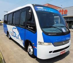 Microônibus ano 2002/ 28 passageiros c/ ar condicionado