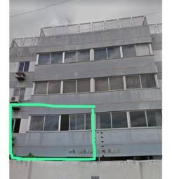Vendo apartamento grande, barato ,quadra da orla do bairro country em local previlégiado