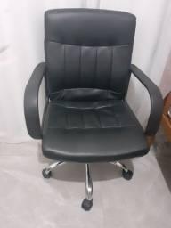 Cadeira de escritório NOVA SEM NENHUM DETALHE