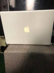 MacBook 2008 lindo Com sistema Windows 10 e sistema Apple top (SÓ VENDA NÃO ABAIXO VALOR)