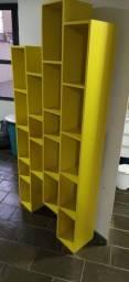 Estante colméia amarela