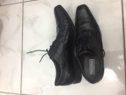Sapato Social Couro Ferracini. Tamanho 42