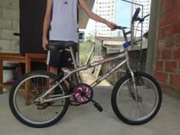 bicicleta infantil em alumínio