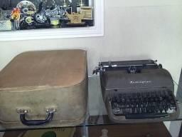 Máquina de escrever Remington Quiet-Riter