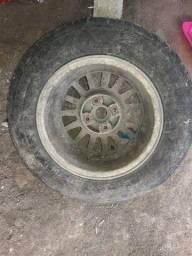 vendo pneu 13 e motor de arranque de uno