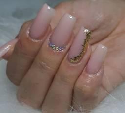 Alongamento de unhas