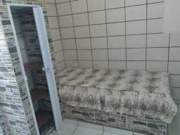 Alugo um kitnet mobiliado valor r$ 500 com água inclusa