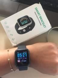 Smartwatch preta