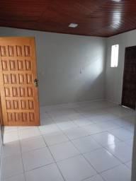 Aluga-se uma casa Medice I- Praça. Dom Alberto Ramos