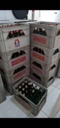 15 engradados com cascos de cerveja 600ml para vender rápido