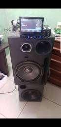 Som montado, DVD pioneer, Bluetooth, muito potente, alto falantes de qualidade.