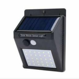 Luminária Solar de Parede com Sensor de Presença