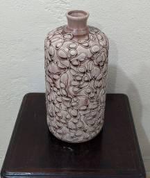 Lindo jarro antigo em louça