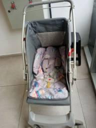 Carrinho  de bebê  um ano de uso