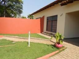 Casa ótima a 900m do centro em Rolândia Paraná