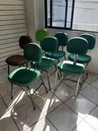 Vendo cadeira fixa secretária