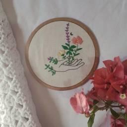 frete grátis - bordado de mão com flores