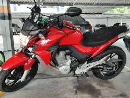 Moto Honda CB Twister Flex 250 CC Vermelha
