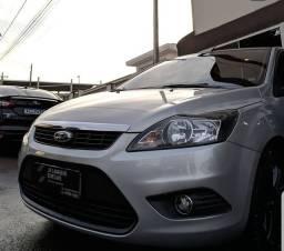 Ford Focus Sedan 2012