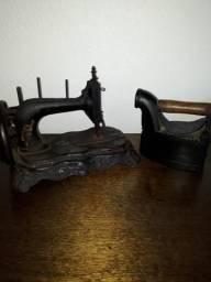 Máquina de Costura e Ferro de Passar Roupas