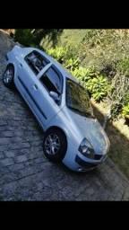 Passo Clio sedan - 2004
