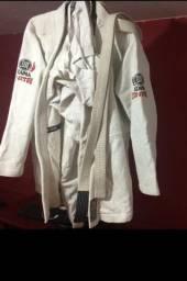 Kimono da marca Atama TAM. A 3 trançado incluso na venda com a faixa 80,00 Reais