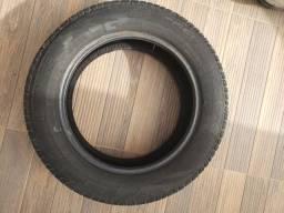 Vendo 02 pneus com 3.000 km rodados