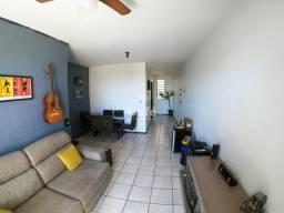 Apartamento 2 dorm. com 1 suíte e Garagem Coberta.