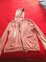 Casaco rosa tamanho G, mas veste M